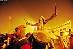 Apesar do festival Maha Kumbh Mela ocorrer somente a cada 12 anos na cidade de Allahabad, existem versões menores do ritual a cada três anos em outras cidades da Índia. <br> <br> Palavras-chave: Índia, festival, ritual, cerimônia, purificação, hindu, hinduísmo, lugar sagrado, maha kumbh mela, rito, celebração, Ganges, Yamuna, sadhus